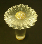 Quartz cane handle with daisy flower petals.